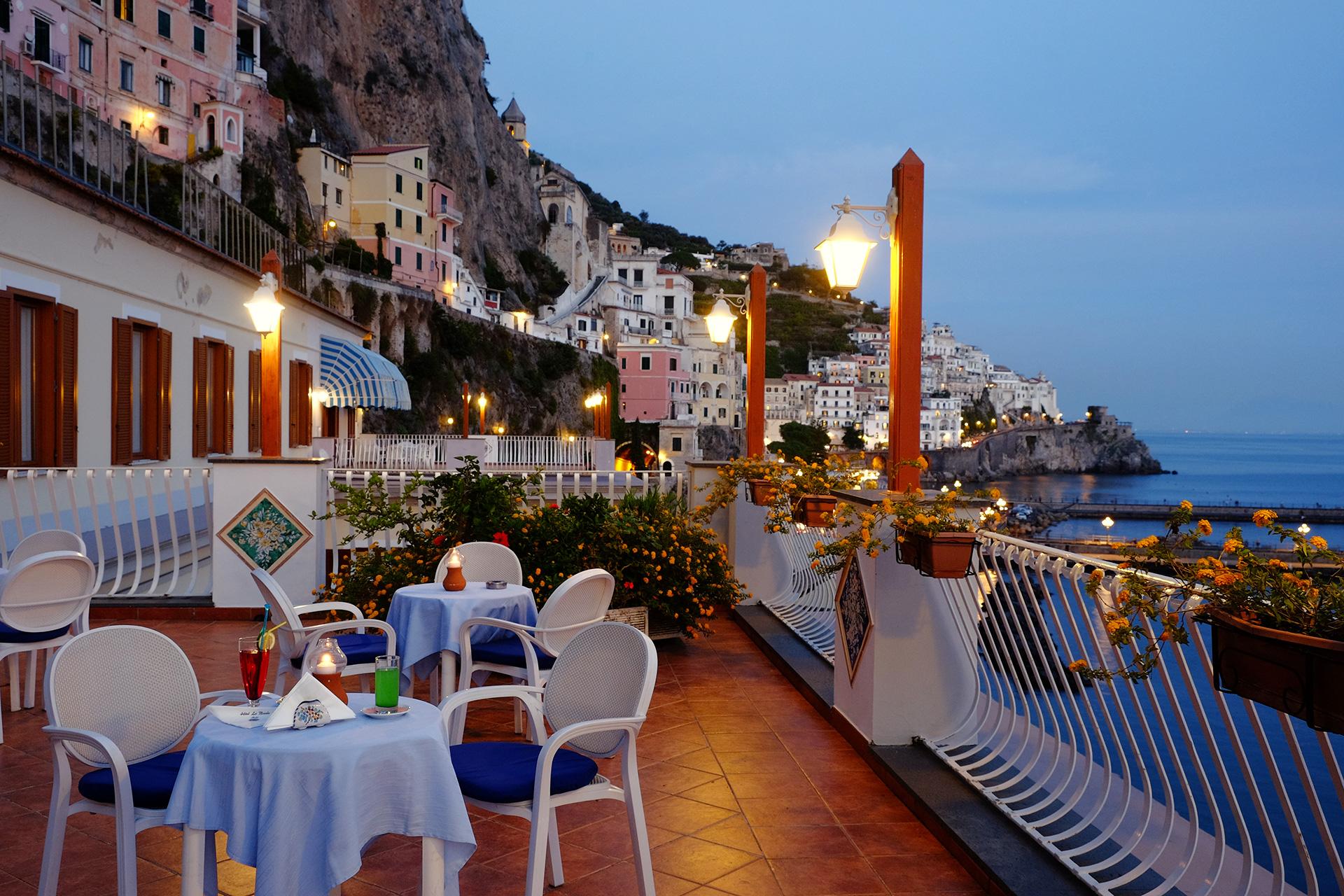 Solarium e terrazzo hotel la bussola amalfi - Bagno la bussola ...